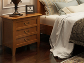 结构坚固实木框架 奢华大气乡村风格浅色三抽床头柜